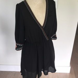 Anna Grace Embroidered and Beaded Dress Size Small